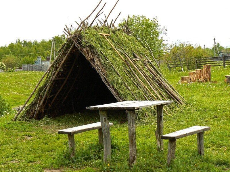 Как сделать домик из веток в лесу
